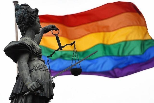 Bundesregierung will schwule Justizopfer per Gesetz rehabilitieren