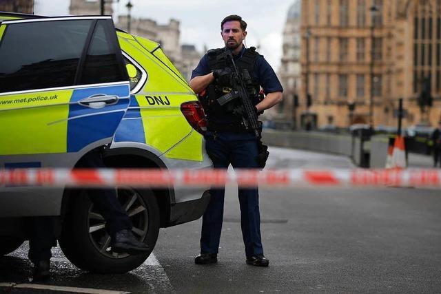 Nach Anschlag in London: Polizei stürmt Wohnungen - sieben Festnahmen