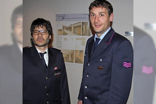 Neue Uniform für Feuerwehr