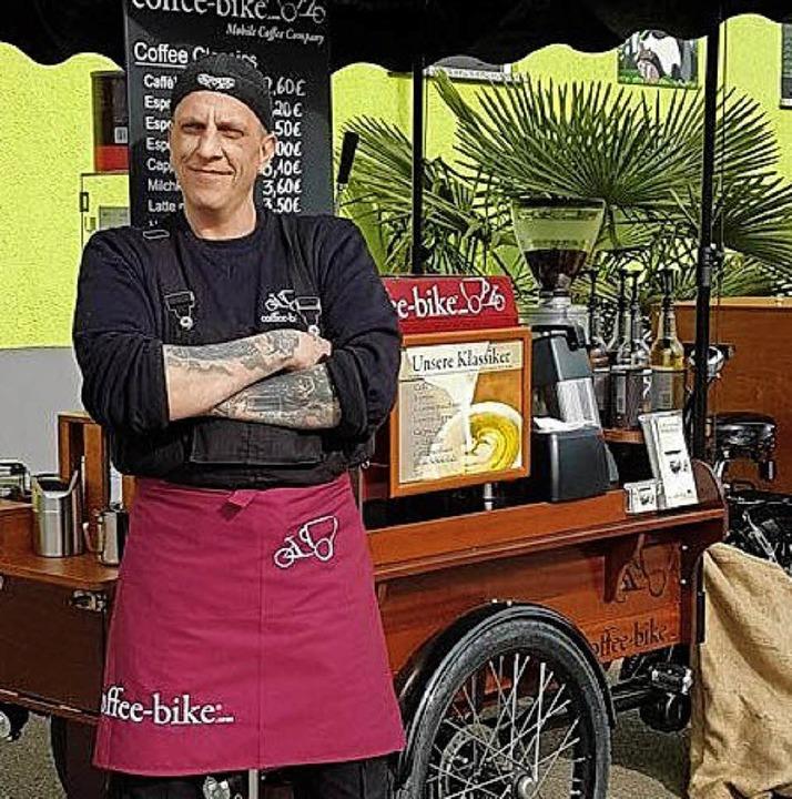 <BZ-FotoAnlauf>Coffee-Bike:</BZ-FotoAnlauf> Bernd Ansorge ist mobil unterwegs.   | Foto: Privat