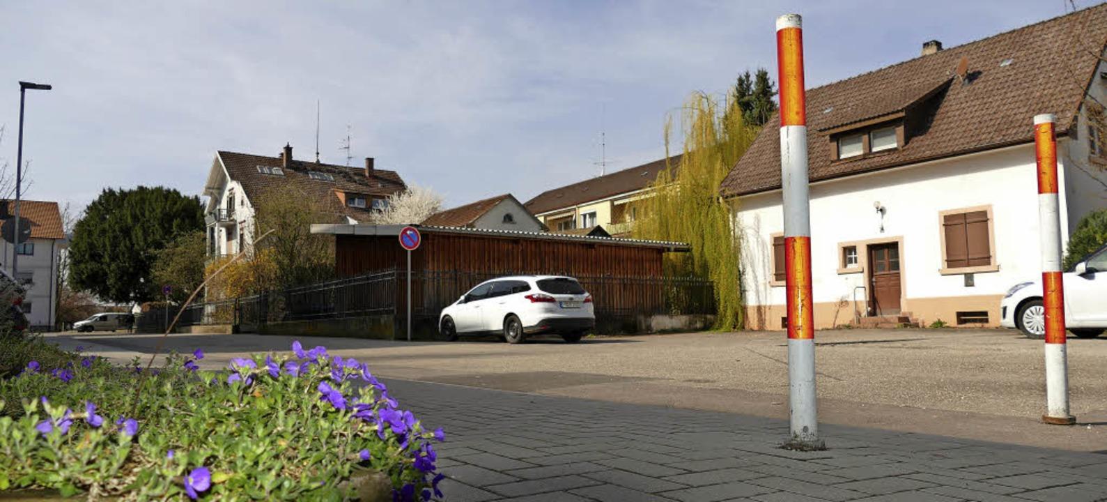 Auf dem Grundstück Staufener Straße 15...r Straße zur Vadomarstraße verhindern.  | Foto: Hans-Peter Müller