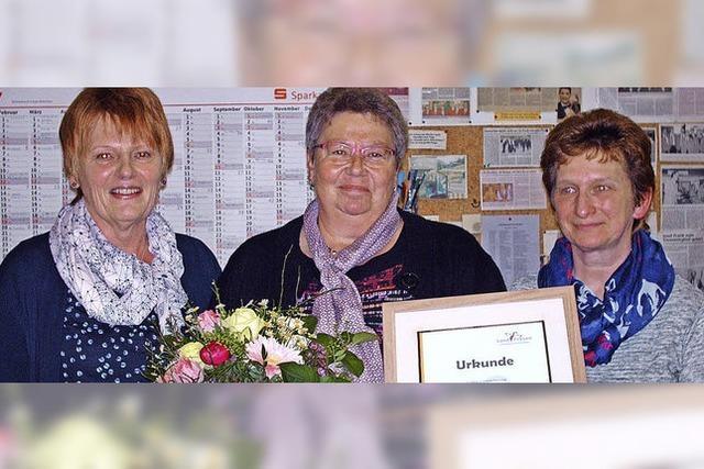 Landfrauen aus Häg-Ehrsberg feiern, putzen und suchen auch Männer