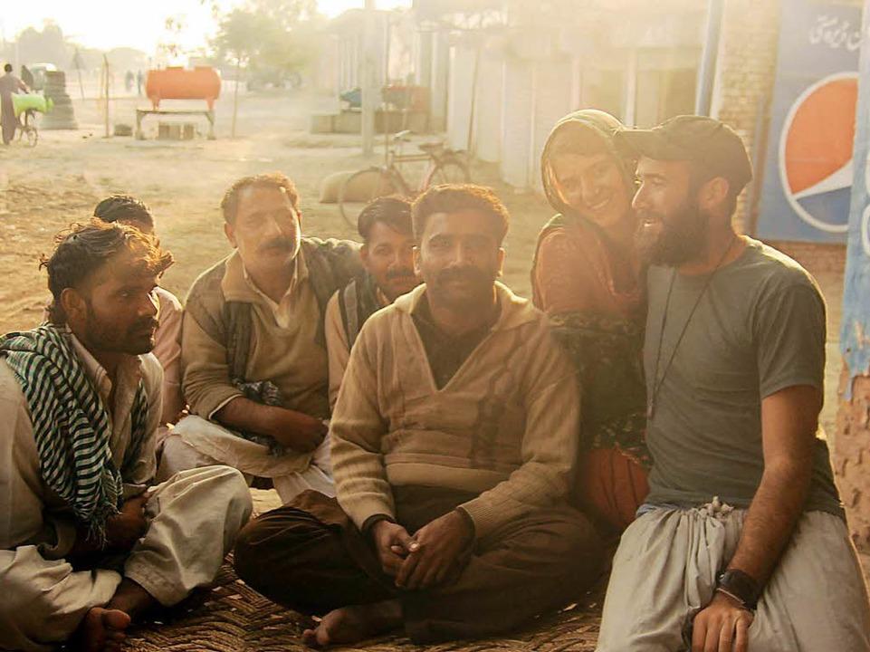 Beim Trampen durch Pakistan lernte das...Fahrer kennen. Das war im Januar 2014.  | Foto: Gwen Weisser