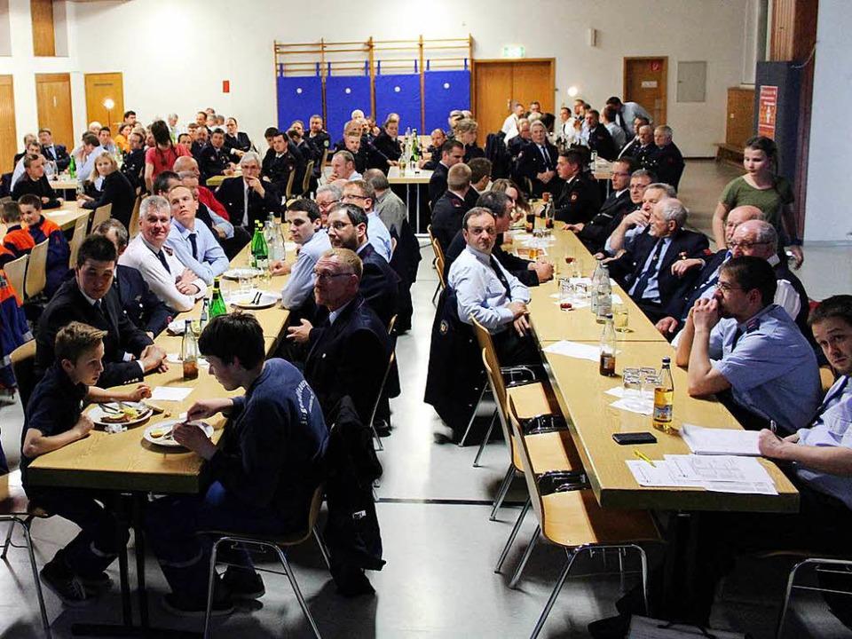 Gut besucht war die Jahreshautpversammlung der Kanderner Gesamtfeuerwehr.   | Foto: Reinhard Cremer