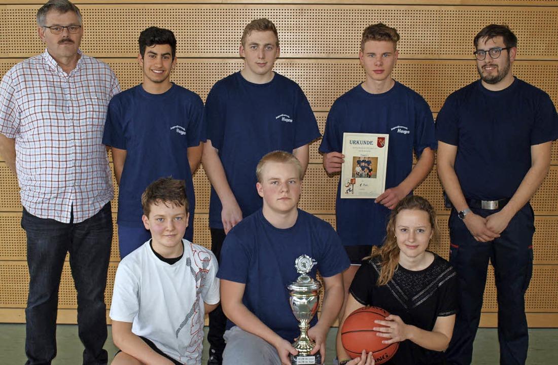 Das Turnier  der Jugendfeuerwehr Lörra...ldo, Aleksey Korolenko, Tamara Hauri.     Foto: Schleer