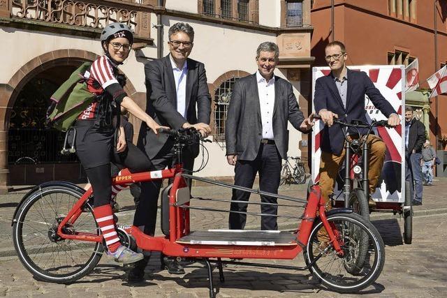 Fahrradkuriere strampeln für die Stadtverwaltung