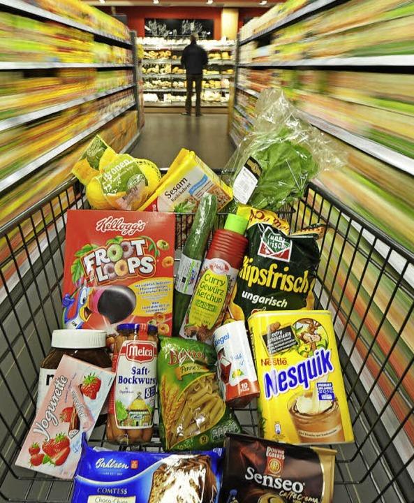 Der Einzelhandel in der Region  profitiert von den Schweizern.    Foto: dpa