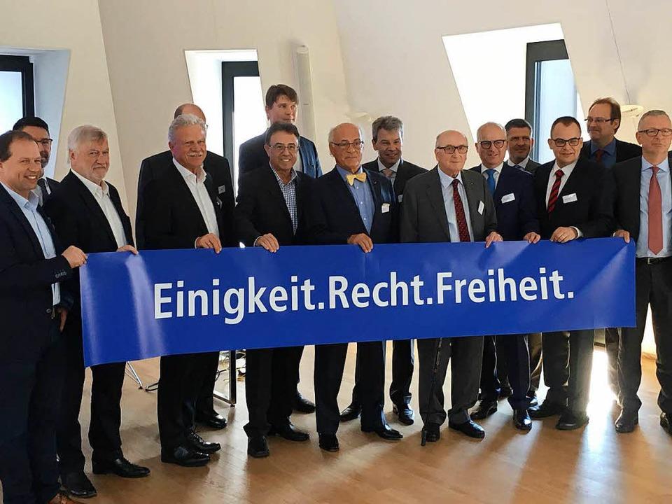 Votum  für die freiheitlich-demokratis...badische  Unternehmer mit ihrem Slogan  | Foto: Kramer