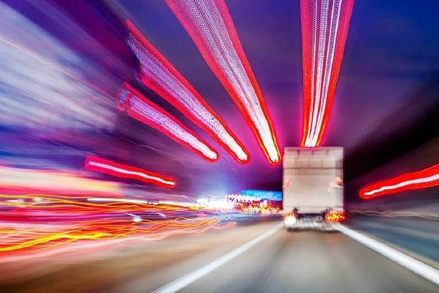 Umgekippter Lkw behinderte Verkehr: Sperrung aufgehoben