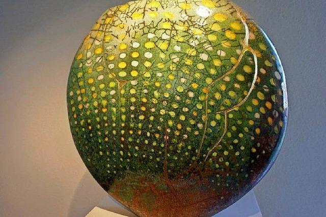 Raku-Kunst von großer Strahlkraft