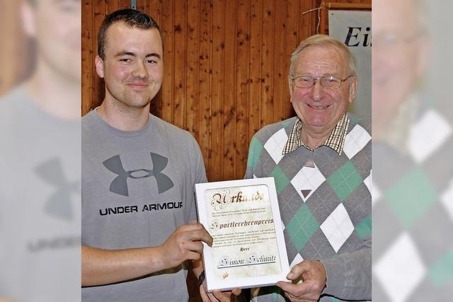 Ehrenpreis für Simon Schmitz