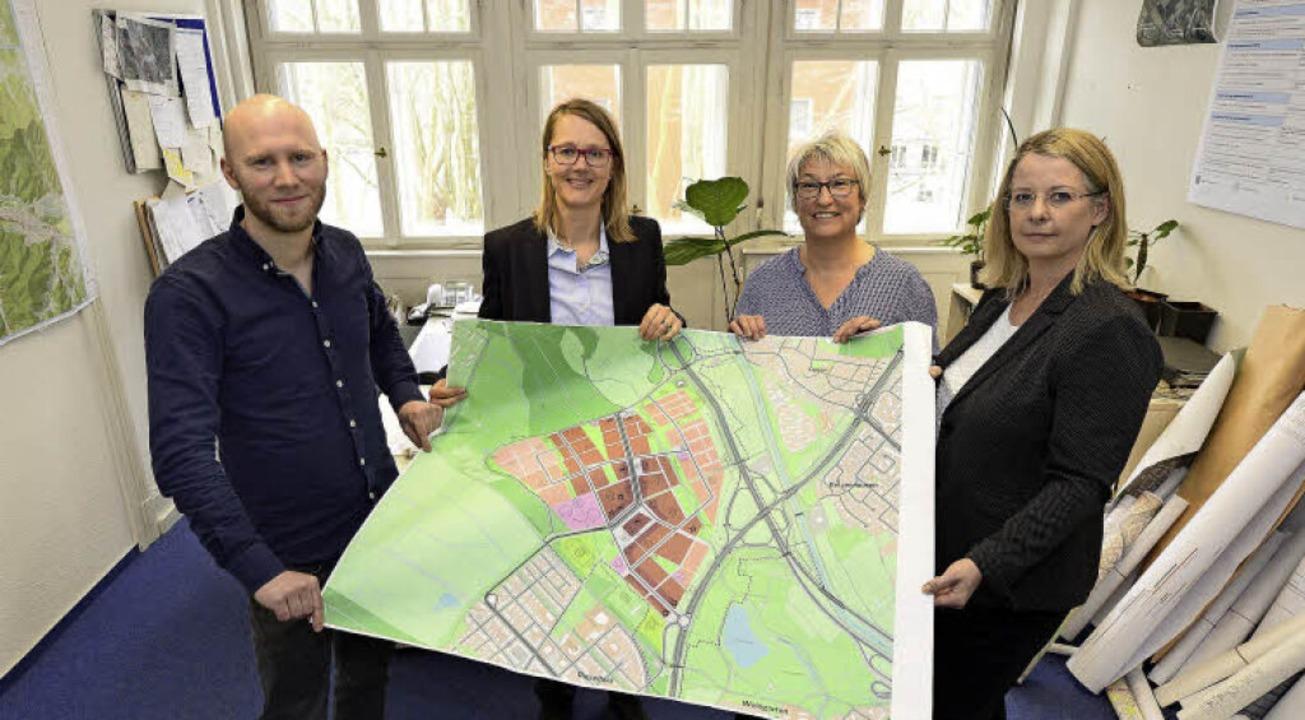 Die Mitglieder der Projektgruppe Diete...r und Christiane Eilers (von links).    | Foto: Ingo Schneider