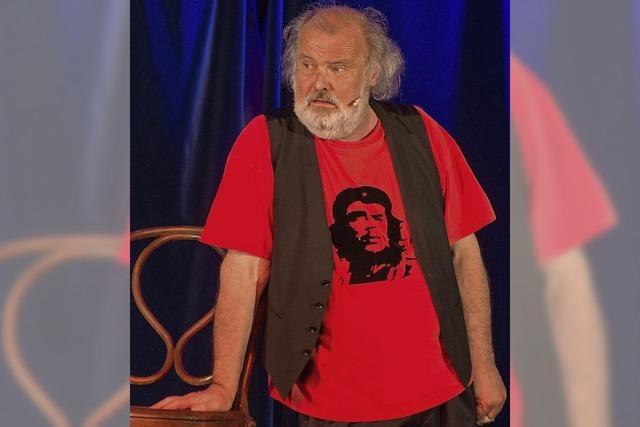 Im voll besetzten KKW-Keller begeistert Kabarettist Otmar Traber das Publikum