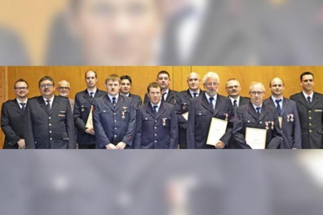Stadt stärkt Feuerwehr den Rücken
