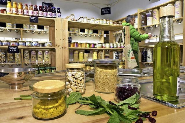 Verpackungsfreier Supermarkt in Freiburg verkauft Bio-Lebensmittel