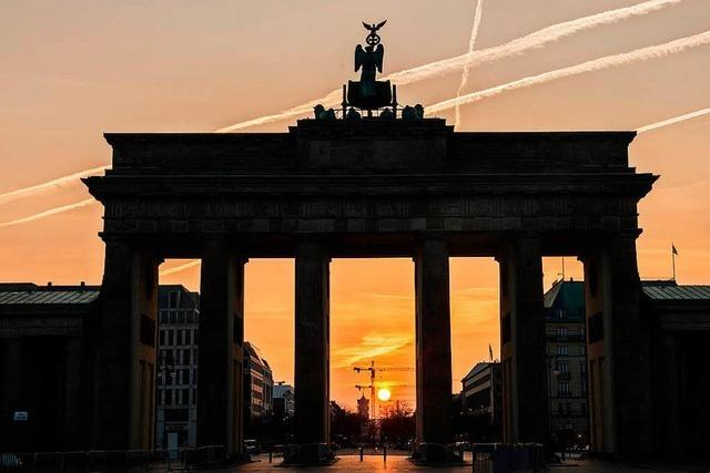 Brandenburger Tor nicht in Russland-Farben angestrahlt – Kritik an Entscheidung