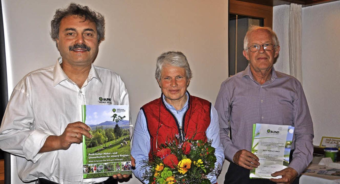 Von links: Thomas Giesinger vom BUND L... als erster Vorsitzender geehrt wurde.    Foto: Jutta Schütz
