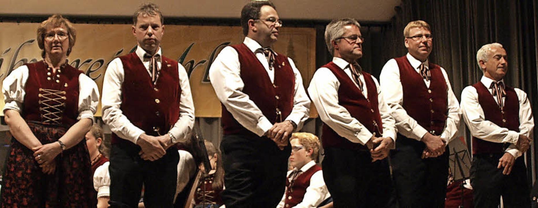Gleich sieben Ehrungen konnte der Musi...ackmann sowie Rolf Büchele (von links)    Foto: Karin Stöckl-Steinebrunner