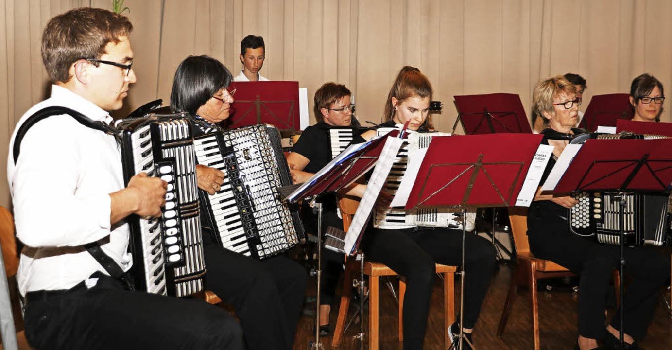<ppp> anschließend gehörte die Bühne dem Hauptorchester.</ppp>    Foto: C. Rinklin