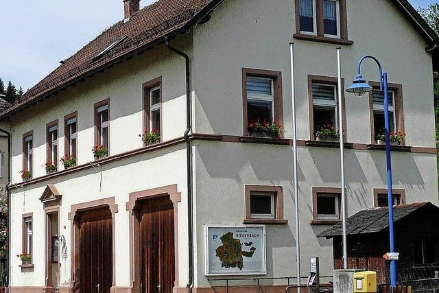 Ihr erstes Rathaus bauten die Biederbacher für 10 315 Goldmark