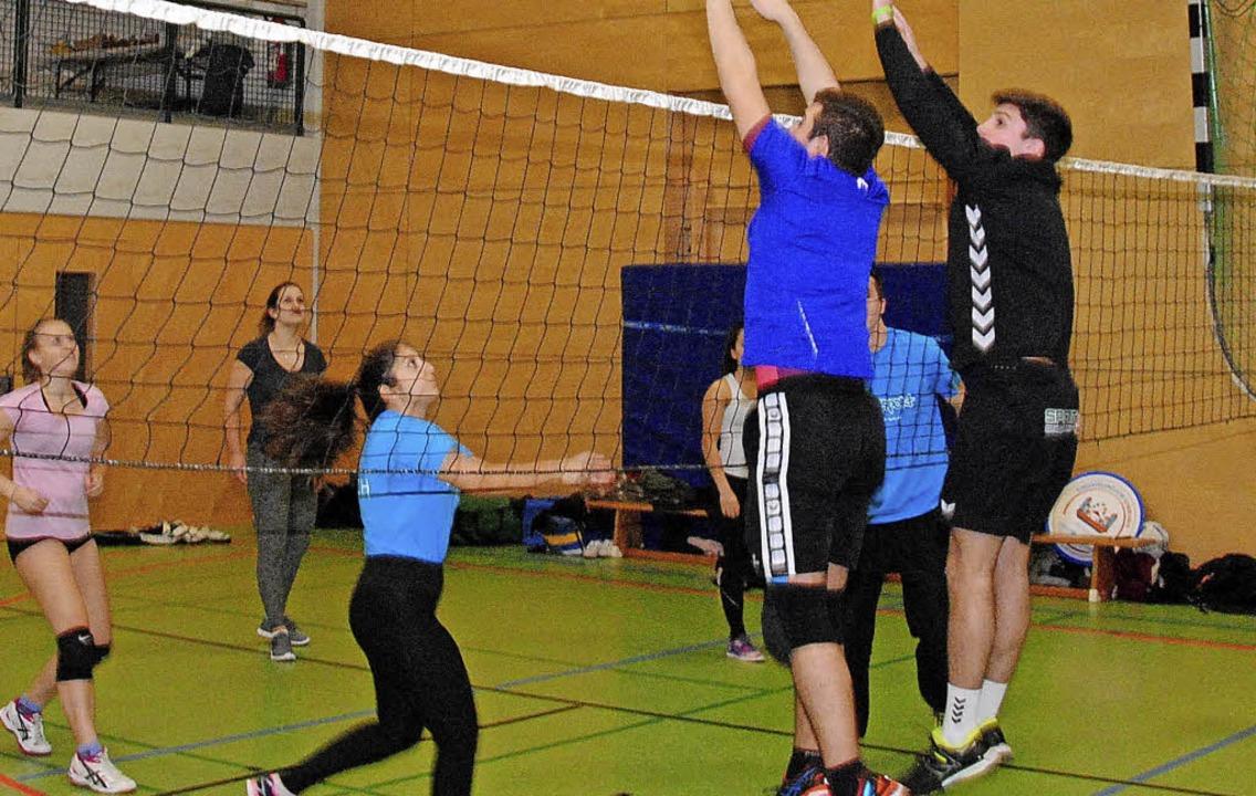 Volleyball ist bei der Jugend beliebt.  | Foto: Sedlak