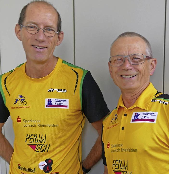 Hans Winzen und Reinhard Börner stehen... Organisationsteams für den Triathlon.  | Foto: Ingrid Böhm-Jacob
