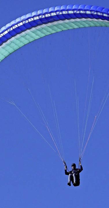 Faszination Fliegen: 82 Piloten gehören heute dem Gleitschirmclub Wiesental an.   | Foto: sonja eiche