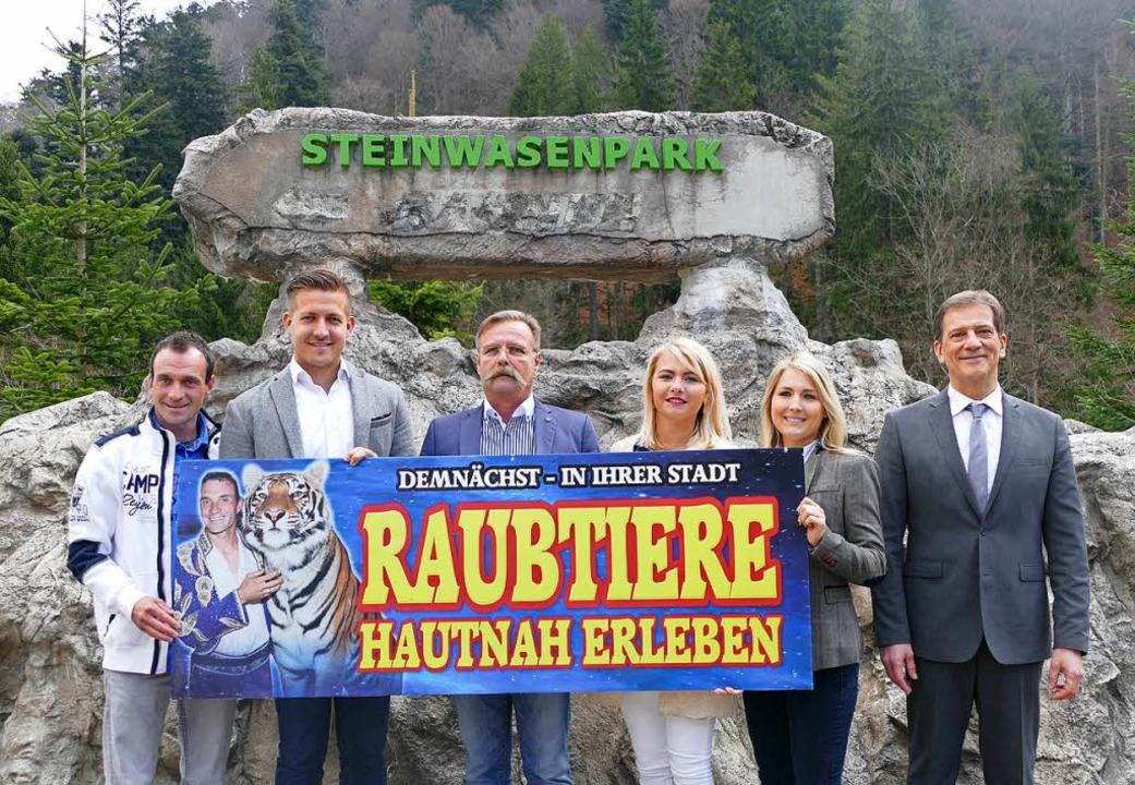 Freuen sich über den Neuanfang für den...rie und Isabel und Fritz G. Ramsaier.     Foto: fotolia.com/Bury