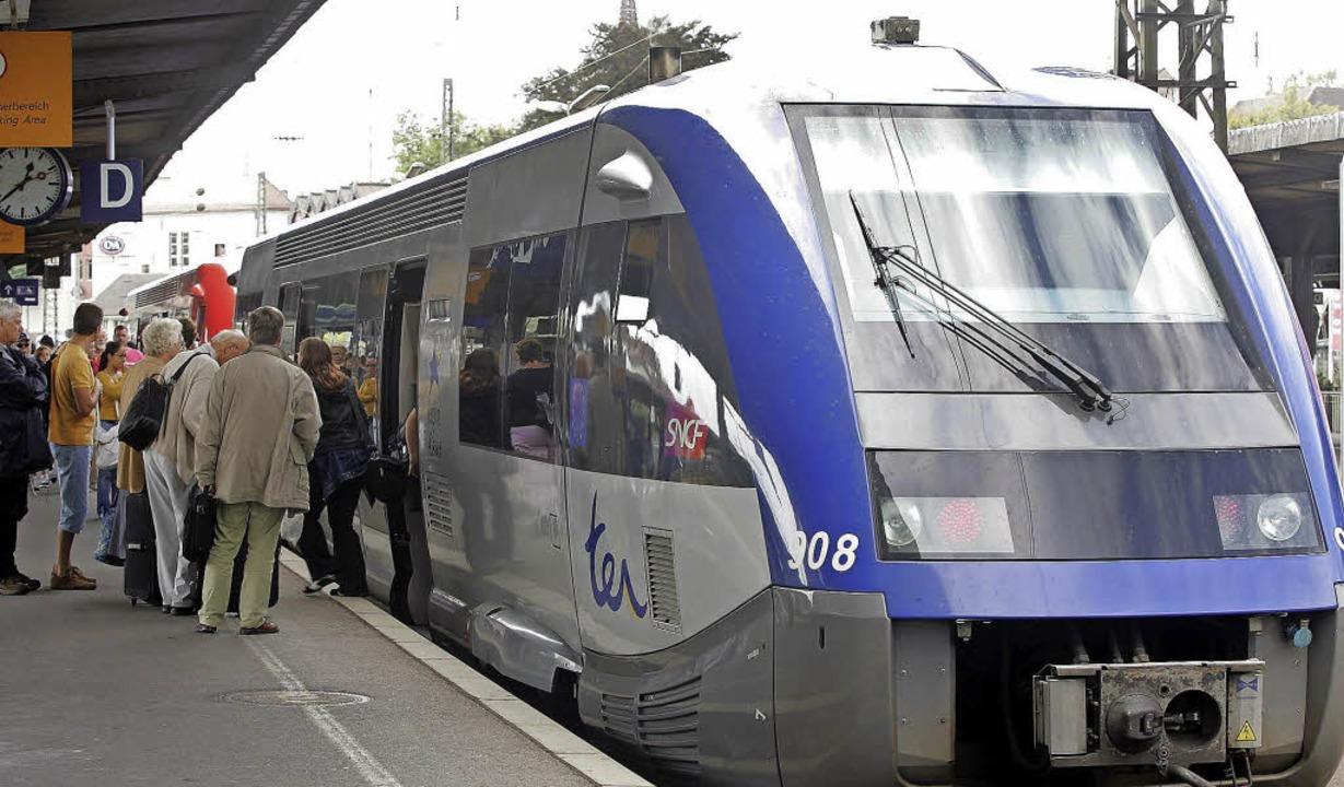 Mehr ÖPNV-Verbindungen über den Rhein ... es geben, fordern Verbandsvertreter.   | Foto: Archivfoto: heck