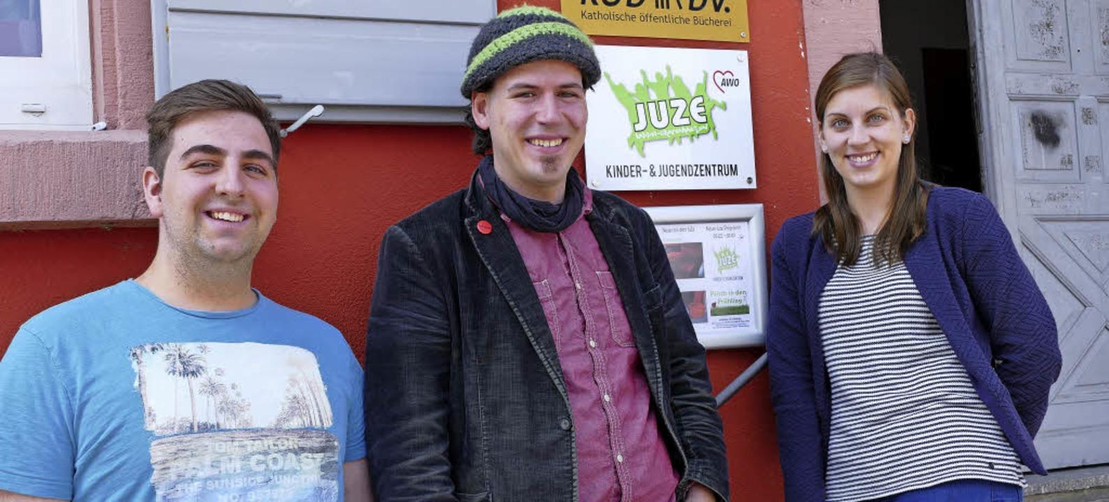 Sie planen die neue Ferienfreizeit für...hirt, Andreas Hummel und Sarah Wojan.   | Foto:  KLAUS FISCHER