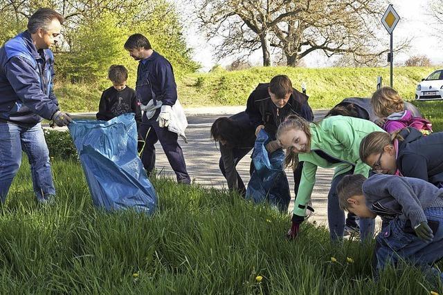Natur als Müllhalde für Autoreifen und Stereoanlagen