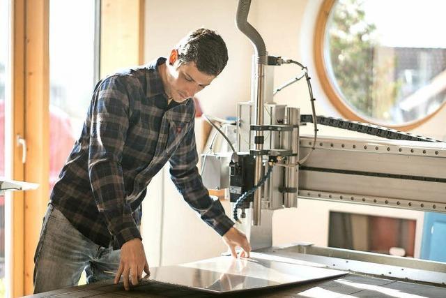 Laszlo Bruder hat im Rahmen einer Bachelorarbeit eine Designhalterung für Fahrradhelme entwickelt