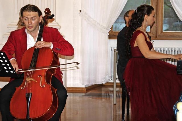 Ein Dialog von Klavier und Cello zur Eröffnung