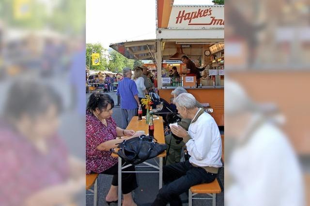 Krämermarkt: Essen war nur an Stehtischen möglich
