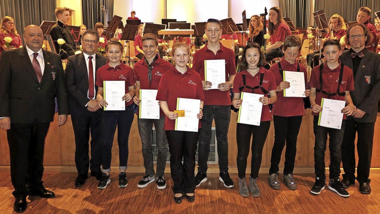 Fünfmal Bronze, zweimal Silber: Mitgli...Leiter des Jugend-Organisationsteams.   | Foto: Dorothee Philipp