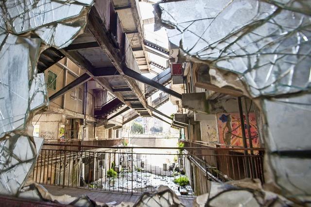 Bewohner wollen Neapels berüchtigstes Viertel aufpolieren