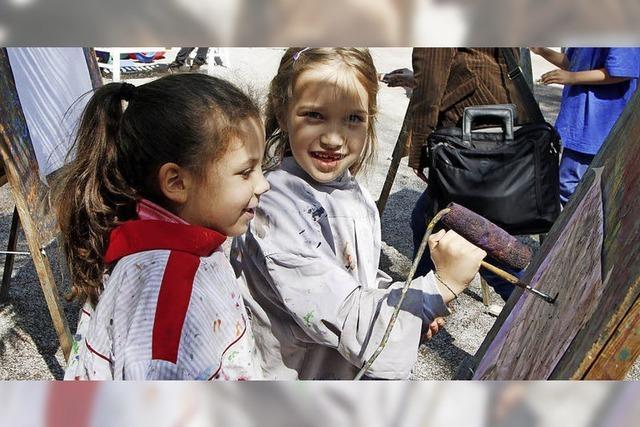 Kinder lassen der Kreativität freien Lauf