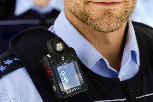 Beamte des Reviers Freiburg-Nord tragen schon Bodycam