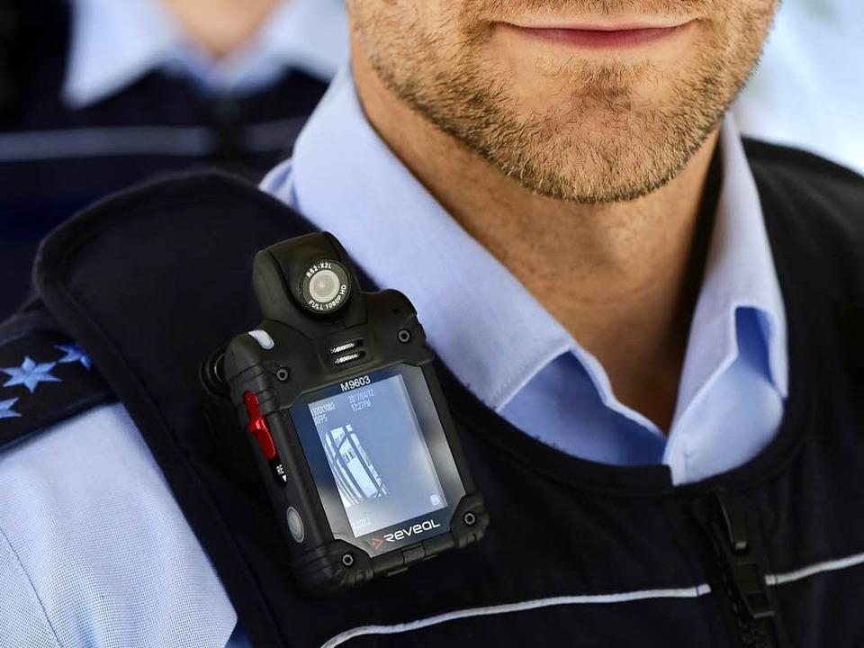 Die Bodycam ist einsatzbereit und wird in Freiburg  getestet.  | Foto: Thomas Kunz