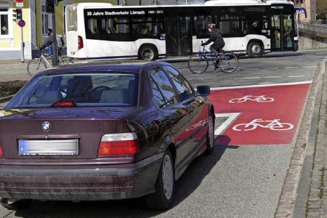 Grüne verteidigen neue Radstreifen