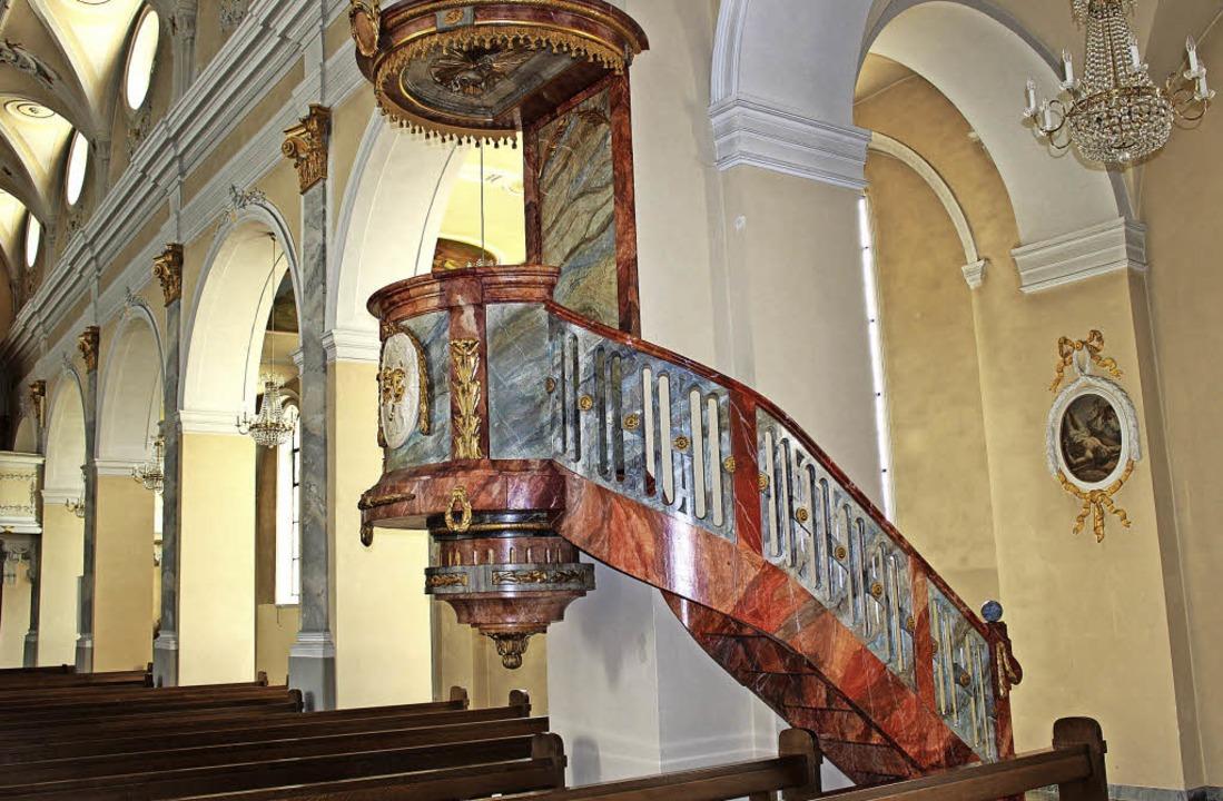 Die Kanzel in der St. Martinkirche ist...s keine Treppe zum Verkündungspodest.   | Foto: Hansjörg Bader