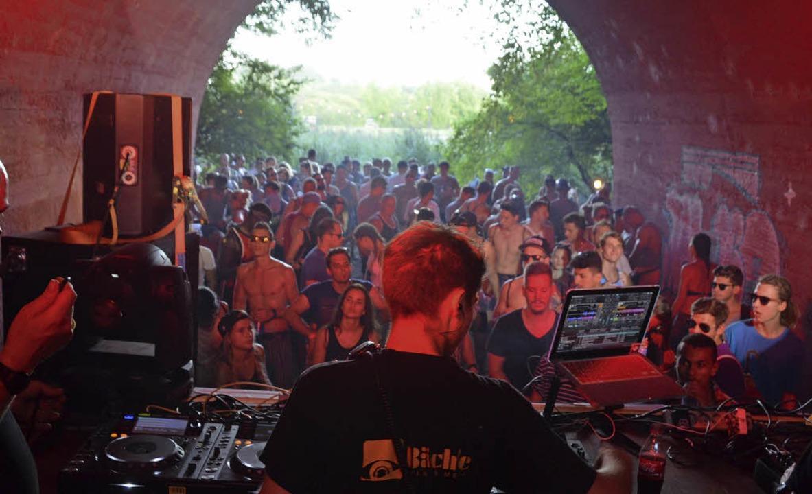 Das Elektromusik-Festival Grenzenlos h...rgarten inzwischen eine feste Bleibe.   | Foto: Senf