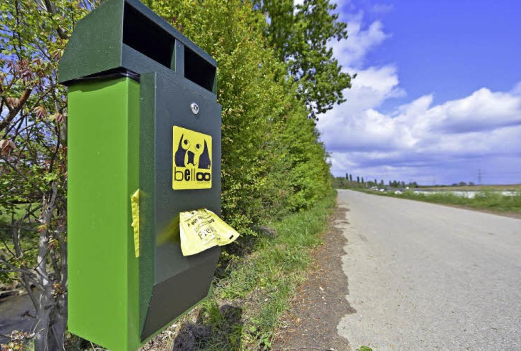 Neue Dog-Set-Stationen hat die Ortsverwaltung am Mühlbach aufgestellt.   | Foto: Michael Bamberger
