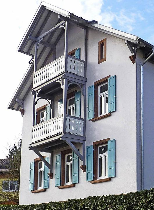 Das Pfarrhaus in Hasel soll renoviert ...nder Bedarf besteht allerdings nicht.   | Foto: Dirk Sattelberger