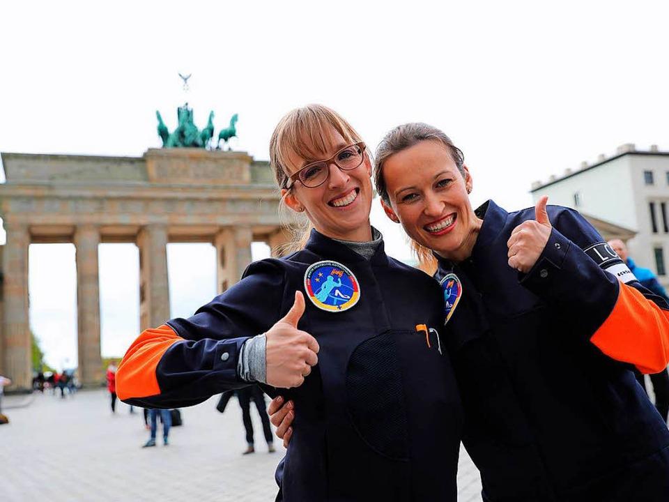 Insa Thiele-Eich (links) und Nicole Ba...n hinwollen: Hoch hinaus, ab ins All.     Foto: dpa