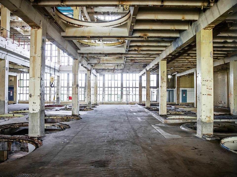 Wo früher Farbkessel in den Decken hin...ich im Bau K90 heute nur mehr Löcher.   | Foto: BASF/Novartis