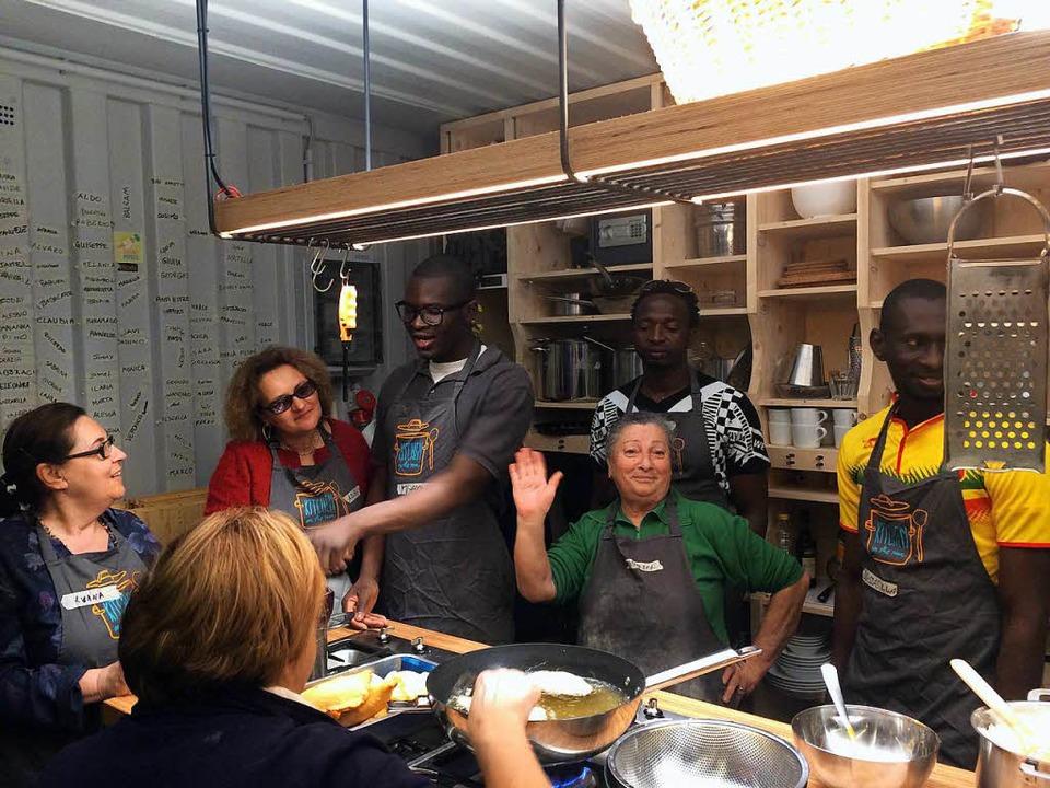 Ab dem 24. Mai können  Flüchtlinge und... Lörrach miteinander kochen und essen.  | Foto: Rabea Haß