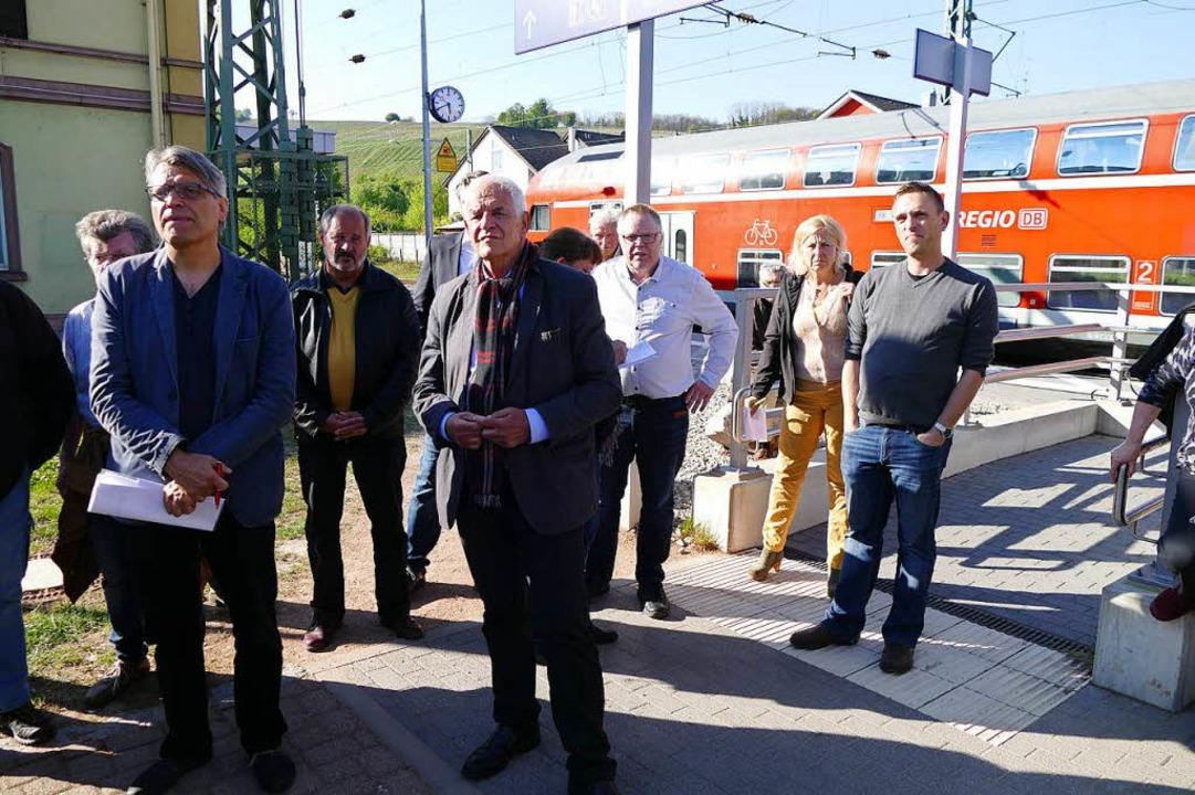 Ortstermin mit dem SPD-Landtagsabgeord...-Ortsverbands Armin Schweizer (links).    Foto: Elena Bischoff