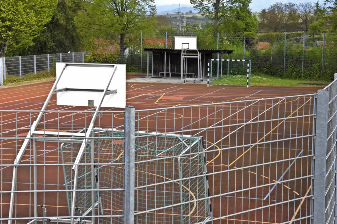 Das Kleinspielfeld der Gemeinde Eichst...er veranschlagten Kosten decken würde.    Foto: jonas hirt