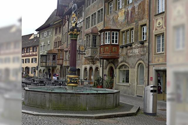 In Stein am Rhein kann sich jeder Kritiker vom Nutzen dieser praktischen Eimer überzeugen